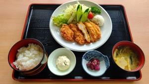 21.2チキンカツ定食1